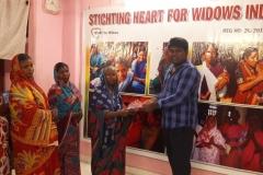 Geschenke für Witwen in Chennai